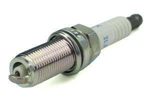 NGK Iridium Spark Plug Stock Heat Range 5245 ( Part Number:NGK ILFR7H)